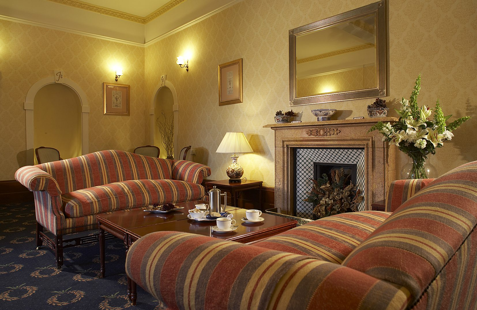 dog friendly hotels west wales, places to eat lampeter