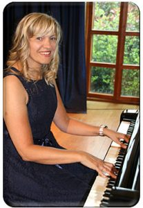 Louise Broome Pianist